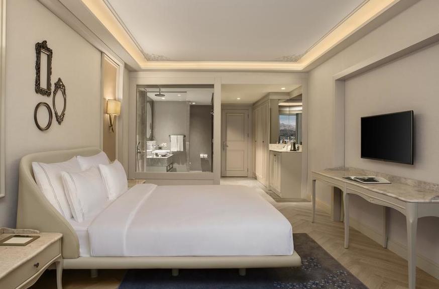 حجز فندق لازوني باسطنبول